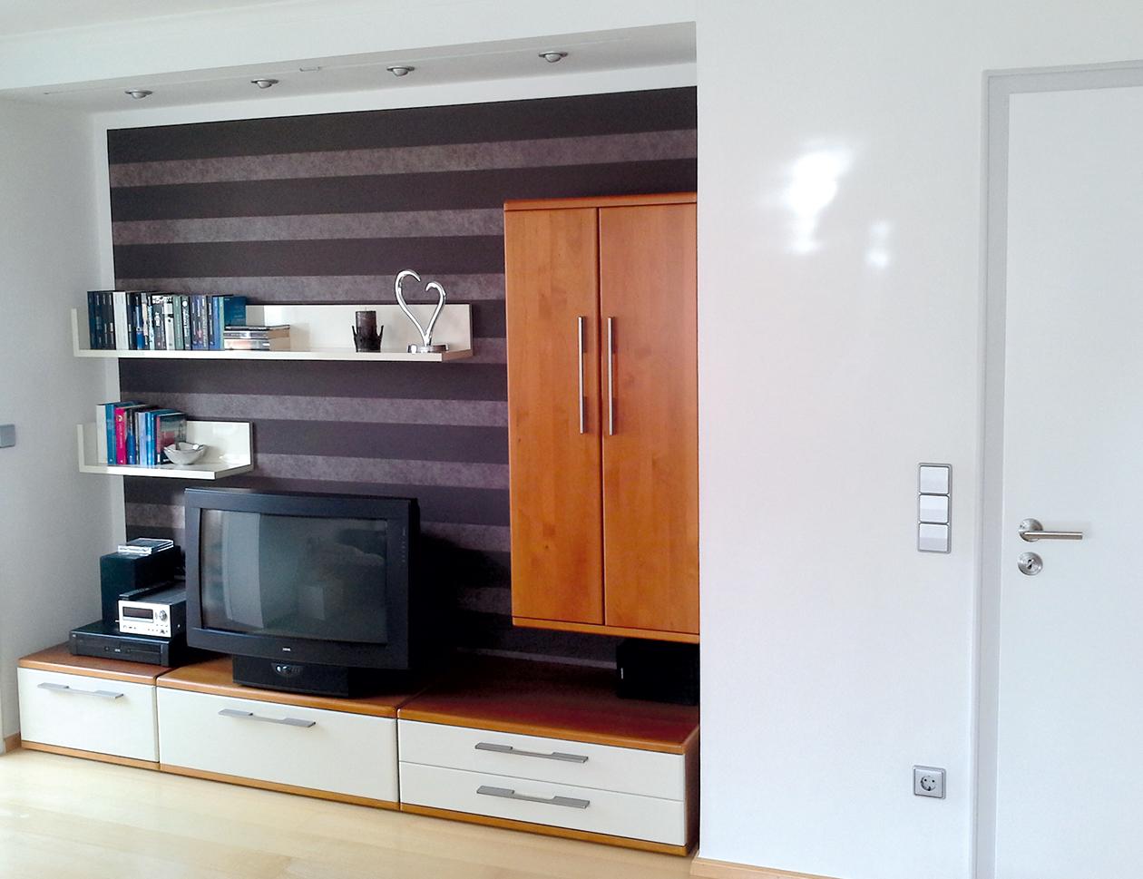wohnwand - lackieren - umgestaltung - hochglanz